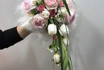 Un Ramo para cada Novia / Sabemos lo especial que es el ramo para la novia, por eso, nosotros somos fieles a la filosofía de que existe un único ramo para cada novia.