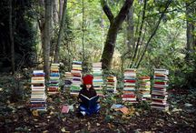 Outdoors Reading / This summer we're going to be reading... outdoors!