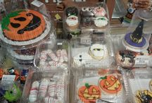 Halloween Bakery Goodies / Cookies, cupcakes, cakes and more!