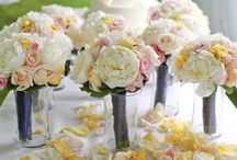Wedding Ideas / Things I would like for our wedding / by Jahnee Caples