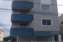 Minha casa, minha vida / Lindo apartamento de dois quartos, cômodos amplos, sacada com churrasqueira, garagem coberta, acabamento diferenciado. Pronto para morar no Bairro Serraria em São José.  Financie pelo plano MINHA CASA MINHA VIDA. Exemplo de simulação para primeiro imóvel: Renda de R$ 2.200,00; Entrada de R$ 18.500,00 podendo usar o FGTS como parte do pagamento;  Subsidio de R$ 13.500,00 Parcelas do financiamento R$ 660,00