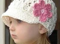 Sapkák kalapok / Elsősorban kislányoknak illetve babáknak, de van női méret is