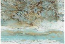 bedroom_sea&ocean&beach style  / ✅aydinlatma : pervane (hasir detayli) ✅hali : hasir kilim ✅headboard : beyaz lake (ikea) ✅yatak bas ustu duvar : sunlight under the sea ✅perde : keten, halat baglama detayli ✅yatak yani konsollar : beyaz lake (ikea) ✅abajurlar : cam tabanli, keten