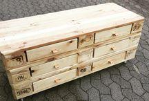 Møbler af genbrugstræ