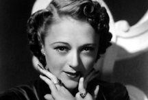 lightning patterns - vintage Hollywood style / lightning patterns in old Hollywood vintage photographs