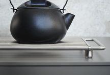 bulthaup accessoires / Accessoires completeren de keuken- en inrchtingssystemen. Ze zijn blikvangers en perfecte hulpjes bij het 'werken met de handen'.