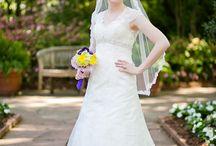 Dallas Arboretum Bridal Portraits / Bridal portraits at the Dallas Arboretum, bridals, bridal session, bride in her dress before the wedding, outdoor gardens, Arboretum, http://www.monica-salazar.com