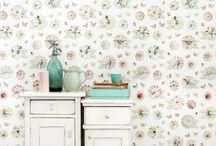 Bloemen & Planten Behang / Wallpaper Flowers & Plants / Laat je inspireren door dit mooie behang met bloemen & planten voor in de woonkamer of slaapkamer.