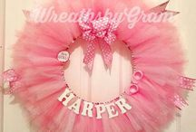 Girl Baby Shower Ideas / Everything you need to plan the perfect baby shower and the vendors to make your vision come true.