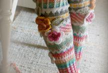 Eihän villasukkien tarvitse olla ikäviä ja tylsiä-- / Neulomiani sukkia http://ankortit.blogspot.fi