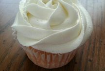 Recipes {Sweets - Frosting} / by Tania