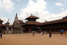 Nepal / Beauty at the foot of the Himalaya
