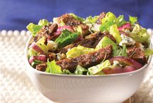 Salad Recipes / Nothing beats a cool, crisp salad on a warm summer's day. Especially when it's completely meatless.