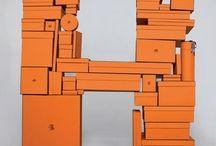 Colour ○ Orange