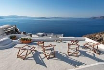 Villa Skala #Santorini #Greece #Island / Villa Skala in the island of Santorini is a meticulously renovated cave house in the heart of world famous Oia, very close to the main square of the village. The sophisticated shops and galleries, traditional taverns, elegant dining or laid-back cafes of Oia are merely steps away. http://www.mygreek-villa.com/fr/rent-villa-search-2/villa-skala