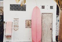 Surfing / Photo
