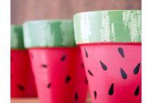 Hand paint pot