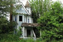 Abandoned Homes / Haunted or otherwise