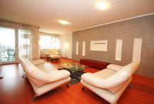 Аренда трехкомнатная, Нове Место, Братислава, Словакия / Просторная, трехкомнатная квартира в аренду, район Нове Место, Братислава, Словакия. Квартира площадью 110 м2 + 9 м2 терраса. Квартира состоит: прихожая, зал с кухней и столовой, 2 спальни, ванная комната с туалетом, отдельный туалет, гардеробная. Квартира частично меблирована, по договоренности можно полностью меблировать. Парковка под домом. Район престижный. ссылка на объект: http://realty-slovakia.ru/flat/328.html