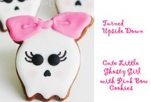 Halloween Food & Drink / Best food and drink ideas to go with your party / by freyja coulter