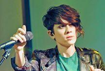 Tegan & Sara / by Ray Lynn