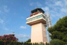 Aeropuerto de Menorca / El aeropuerto de Menorca está situado a unos 4,5 kilómetros al suroeste de la capital de la isla, Mahón. Sus instalaciones sirven con altos niveles de calidad las necesidades turísticas de la isla de Menorca, así como las de su capital, Mahón, donde se encuentra enclavado. http://ow.ly/GwU4q
