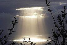 Merveilleux   nuages / J'aime les nuages...les nuages qui passent...là-bas...là-bas...les merveilleux nuages. Charles BAUDELAIRE