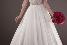 Say yes to the dress / by Christina Crawford