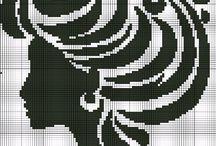 křížková výšivka portréty monochrom