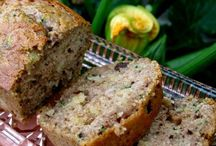 Bread and breakfast food / by Syrena Hopkins