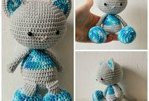 catric / creation fait main  en crochet  (  poupee  )  porte courier )  pot pour crayon ) naperon )  vase pour fleur ) tapie) couvre canaper ) tou fait main en crocher