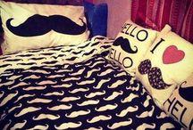 Moustaches : {)