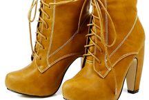 Buty / Tutaj wymieniamy / sprzedajemy buty. Opisz dokładnie wystawiany przedmiot. Zostaw kontakt do siebie:) Dodaj więcej zdjęć: www.pokazywarka.pl