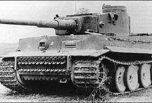Czołgi i działa samobieżne. / Tablica jest o czołgach i działach samobieżnych, zwłaszcza z drugiej wojny światowej.