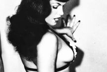 Bettie, most beautiful woman ever! / Bettie Page, queen of hearts, queen of pin ups.