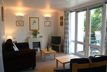 Sea Thrift, Niton, Ventnor / Surrounded by woodlands and attractive gardens, this well presented ground floor apartment is close to the beautiful south coast of the Island and the Area of Outstanding Natural Beauty. Sea Thrift is an ideal holiday base for walkers and cyclists, and anyone looking for a quiet escape, with St Catherine's Lighthouse just 1 mile away.