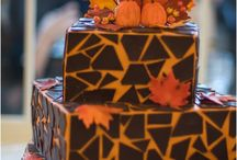 Fall Wedding Cakes / Golden browns, bright oranges, vibrant reds are just a few shades of these amazing fall wedding cakes.
