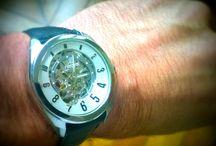 Que portez-vous aujourd'hui ? / Prenez votre poignet en photo /  Photograph your wrist