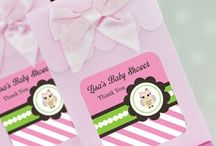 Owl Baby Shower Theme / Baby shower favor designs available for baby boys or baby girls. Invitations, diaper cakes and more. This theme is also great for a first birthday party.