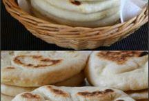 hummus and pita bread