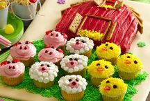 CAKE DECORATING/CUPCAKES / by Catherine Kraft
