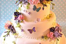 Pretty cakes - wish I could do this / by LaDonna Mays