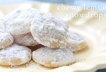 Sweet Tooth / Baking cookies, cake, muffins, cupcakes, pies.