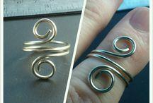 Toe rings / by Shana Balloy