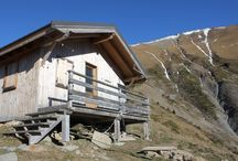 Cabane ♥ / Little cabins lost in the mountains, in the Alps and away!