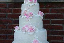 5 layer weddingcake with fondant roses