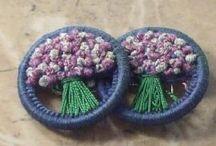 VYŠÍVÁNÍ knoflíků (Embroideried buttons)