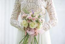Cottton bouquet / Dos vestidos, un sólo ramo de novia. Te mostramos dos estilos de novias con la misma propeusta de ramo de novia