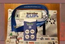 MarathonClips / MarathonClips czyli klipsy do przypinania numerów startowych. Ładne, proste w montażu, przydatne. Rewelacyjny, polski patent, dzięki któremu nie niszczą się koszulki.  Klipsy można kupić na http://www.marathonclips.com/