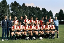 Feyenoord Dutch soccer team; players from the past and now / Memorabele voetballers van Feyenoord in heden en verleden.